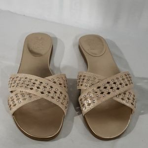 NWOT! Vince Camuto Endana Leather Sandals